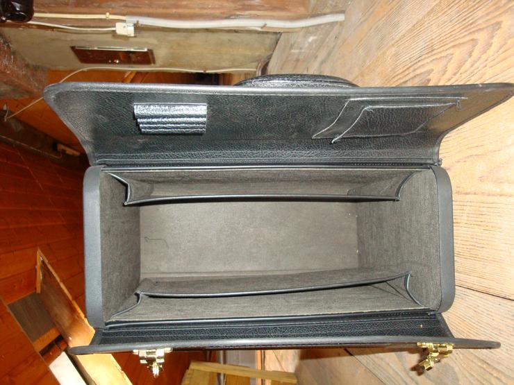 Bild 2: 2 Pilotenkoffer