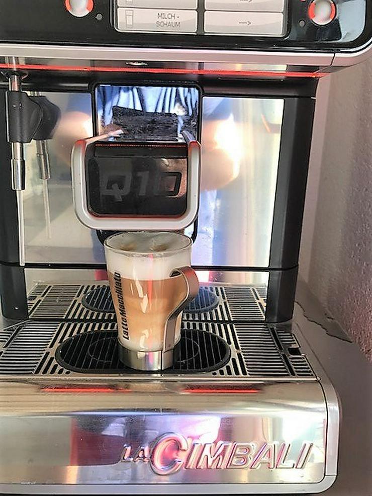 Kaffeevollautomat La Cimbali mit Fricomilk Milchkühler