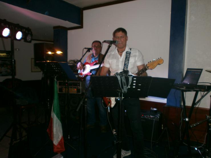 Italienische Musik Band Italiano Scavo Live