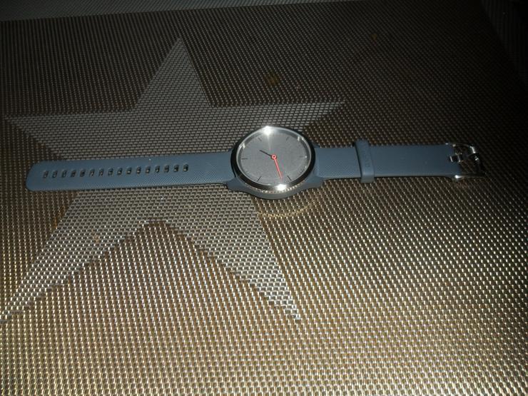 Neu Hybrid-Smartwatch mit analogen Zeigern und OLED-Display
