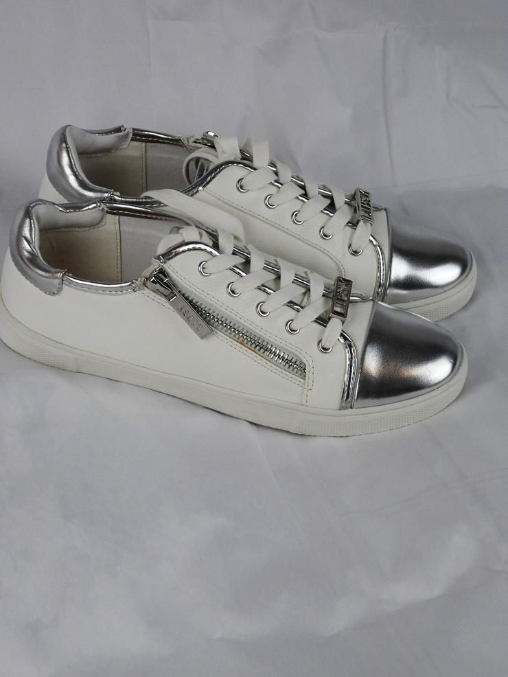 Bild 6: Sneakers von Lipsy London