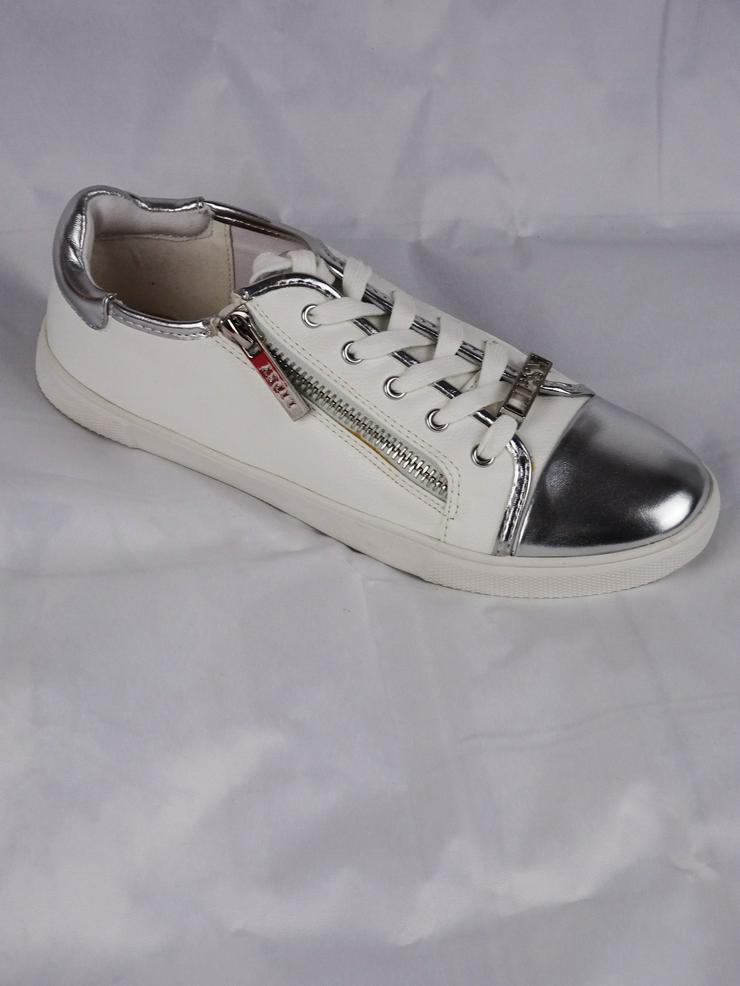 Bild 2: Sneakers von Lipsy London