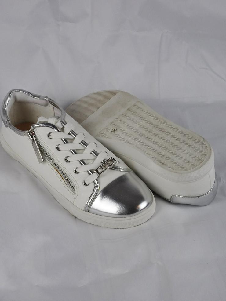 Bild 5: Sneakers von Lipsy London