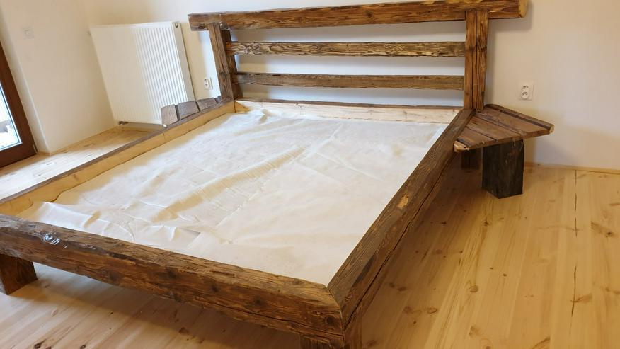 Bett aus dem alten Holz