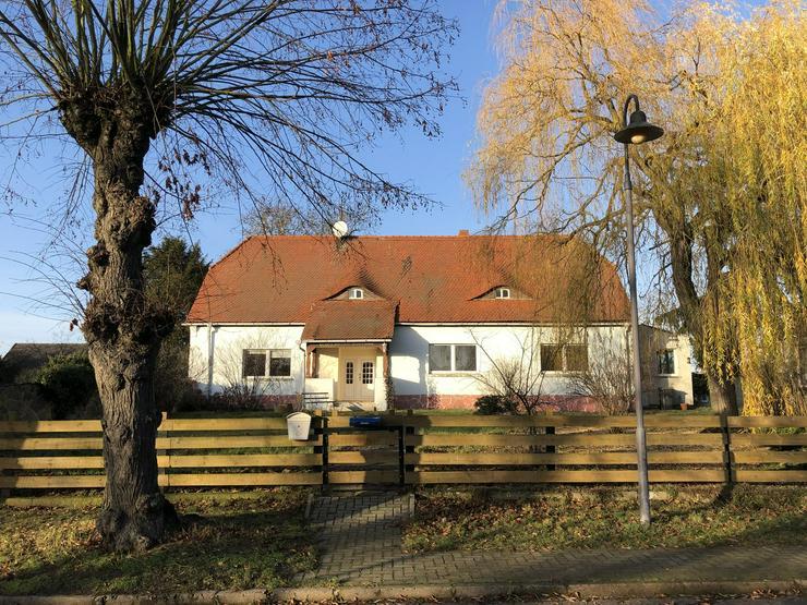 Historisches Schulgebäude mit Nebengelaß in der Altmark nahe Arendsee
