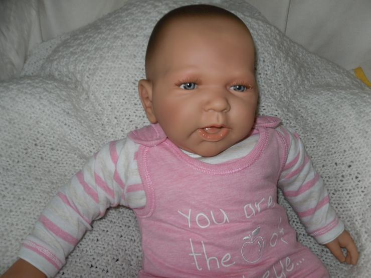 Bild 4: Doro Dolls Babypuppe Valentina 52 cm mit Schnuller Spielpuppe Baby NEU