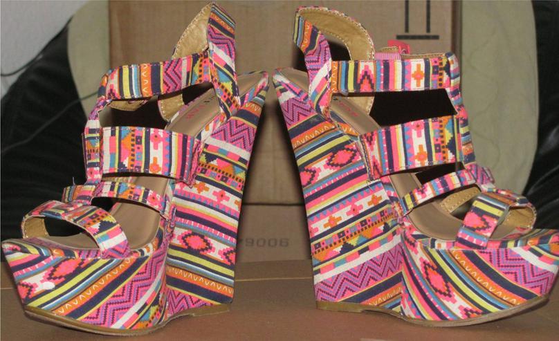 """Bild 3: bunte Wedges Sandalen High Heels von """"JustFab"""" Gr. 40, Karneval"""