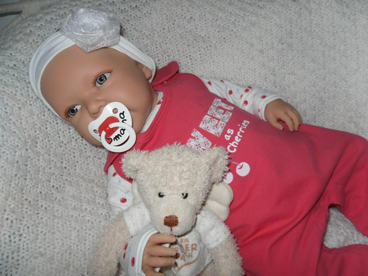 Bild 6: Doro Dolls Babypuppe Evelyn 52 cm mit Schnuller Spielpuppe Baby NEU