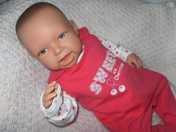 Bild 3: Doro Dolls Babypuppe Evelyn 52 cm mit Schnuller Spielpuppe Baby NEU