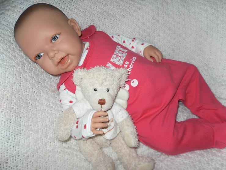 Bild 4: Doro Dolls Babypuppe Evelyn 52 cm mit Schnuller Spielpuppe Baby NEU