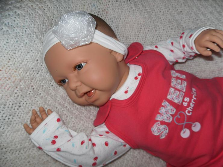 Bild 9: Doro Dolls Babypuppe Evelyn 52 cm mit Schnuller Spielpuppe Baby NEU