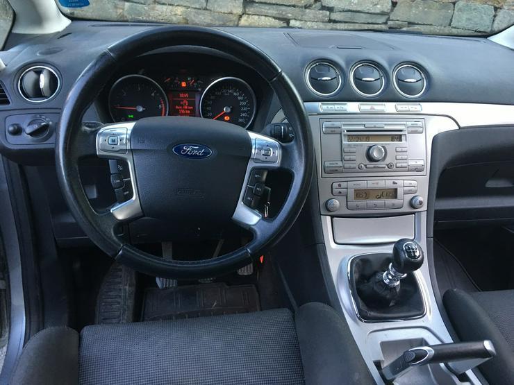 Bild 5: Ein sehr hübscher Ford S-MAX TITAN