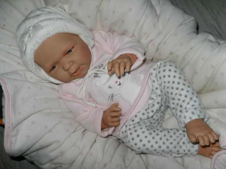 Doro Dolls Babypuppe Jette 50 cm mit Schnuller Spielpuppe Baby NEU