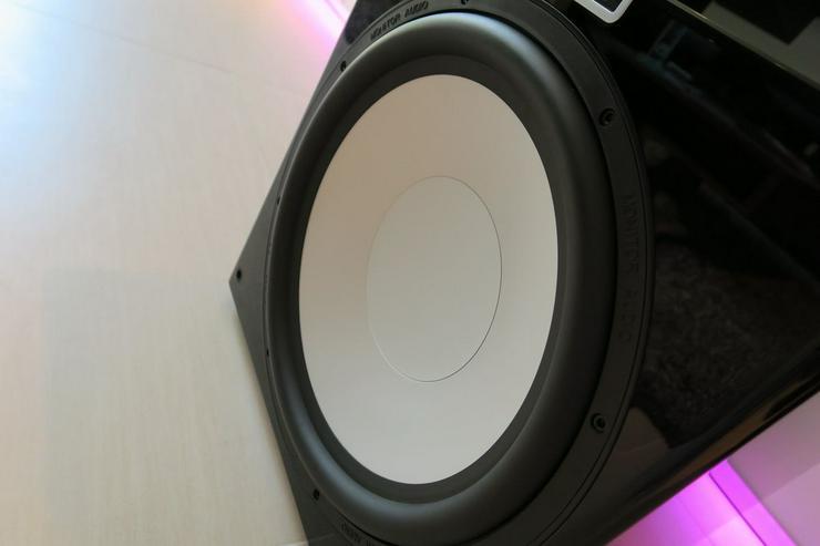 Bild 2: Monitor Audio GXW15 High End Subwoofer 38cm Durchmesser