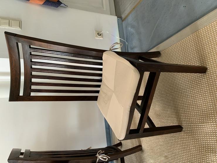 Große Lehnstühle, Vollholz, ohne Armlehnen