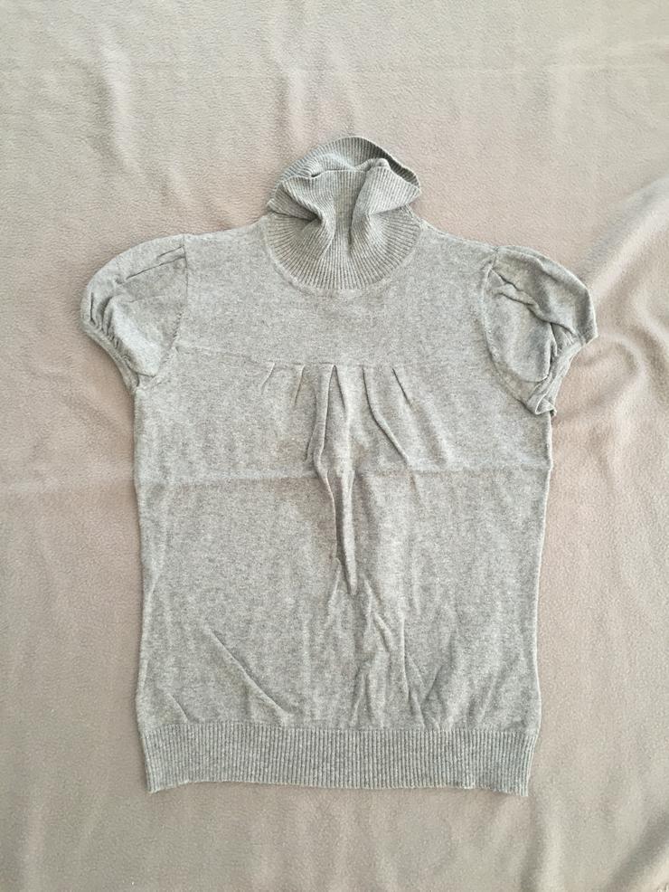 grauer kurzärmeliger Rollkragenpullover von H&M