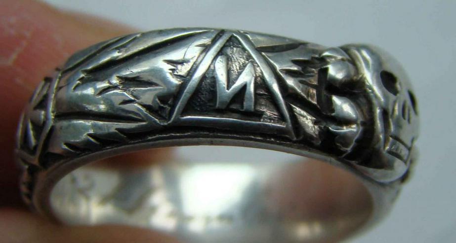 Bild 4: Silber Ring Totenkopf aus Wk2 (21.6.42)