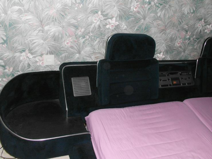 Doppelbett mit Musikanlage und mehr