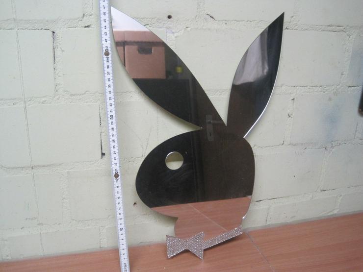 2 Playboy Poster & Playboyspiegel & rahmenloser Glasbilderrahmen
