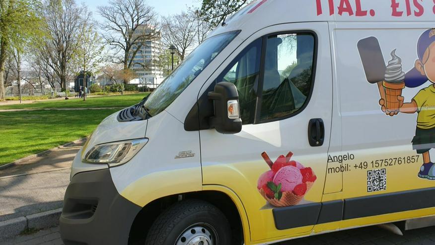 Bild 14: Vanille Eis Sahneeis Erdbeere vom Eiswagen Himbeere Banane Stracciatella Amarena Maracuja Zitrone