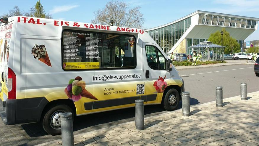 Bild 13: Vanille Eis Sahneeis Erdbeere vom Eiswagen Himbeere Banane Stracciatella Amarena Maracuja Zitrone