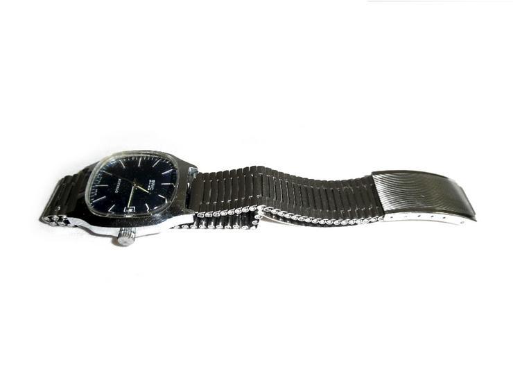 Bild 2:  Seltene Armbanduhr von BWC