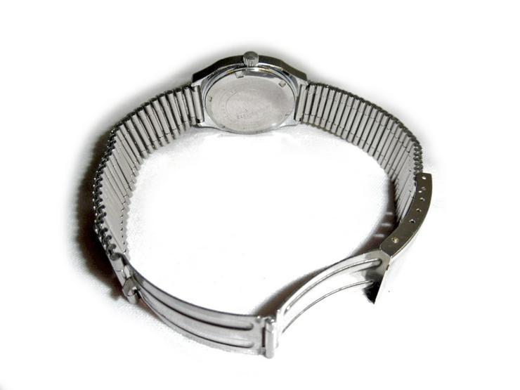 Bild 3:  Seltene Armbanduhr von BWC