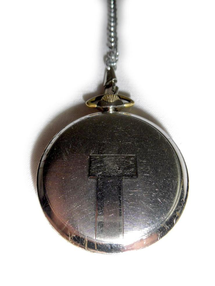 Bild 3: Schwarze Taschenuhr von Kienzle