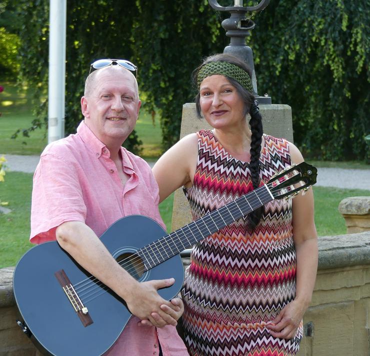 Duo Shackles: Wir spielen, Sie feiern! - Musik, Foto & Kunst - Bild 1