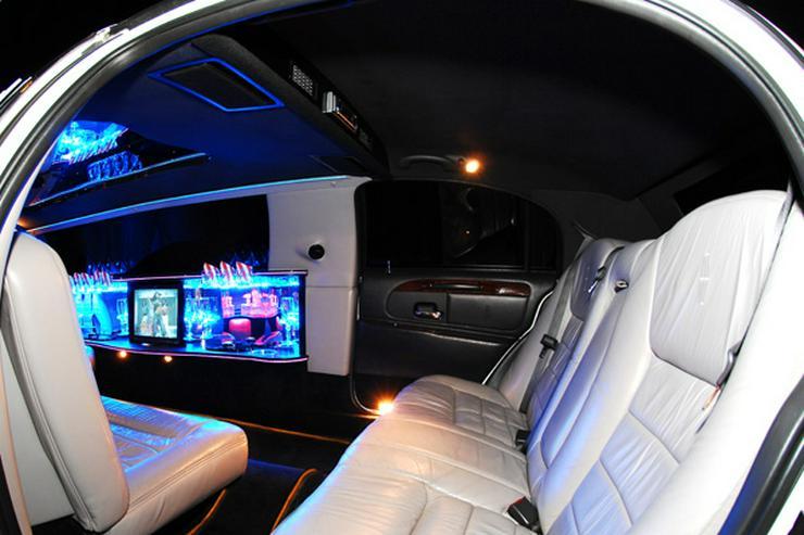 Bild 8: Stretchlimousine & Limousine & Hochzeitslimousine.