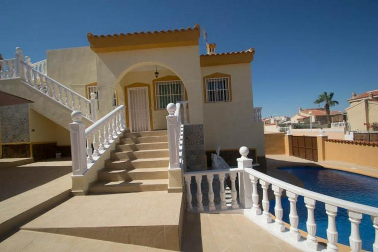 Freistehende Villa mit einem sehr exotischen Design