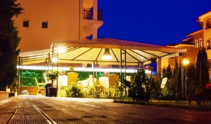 Ein operatives Familienhotel in der Küstenstadt Ravda