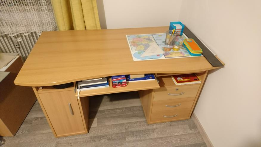Gut erhaltener Schreibtisch
