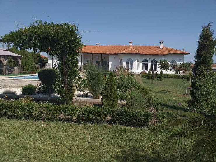 Bild 3: Schöne Villa mit Pool