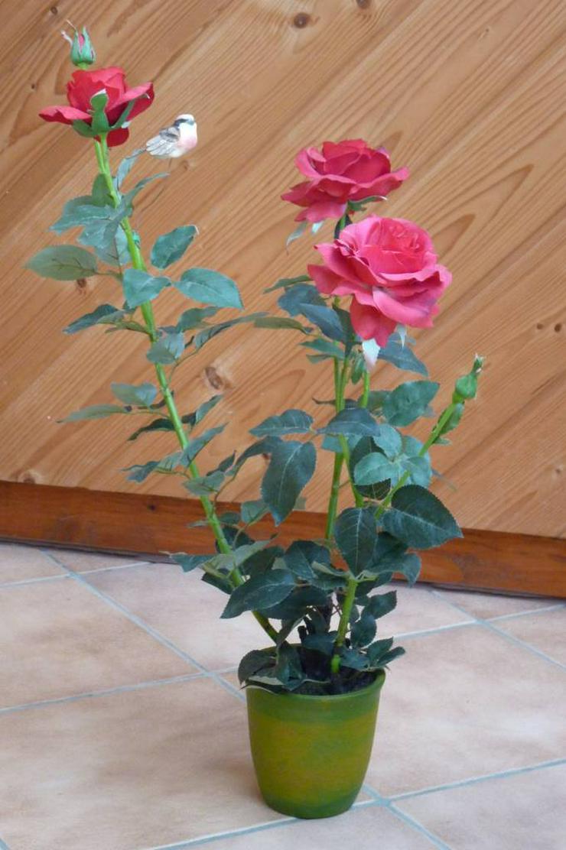 Rosenbusch im Topf 70cm rot künstlich.
