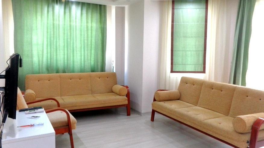 Bild 2: Hier wartet eine günstige, renovierte und teilmöblierte 3 Zi. Wohnung auf Sie.341