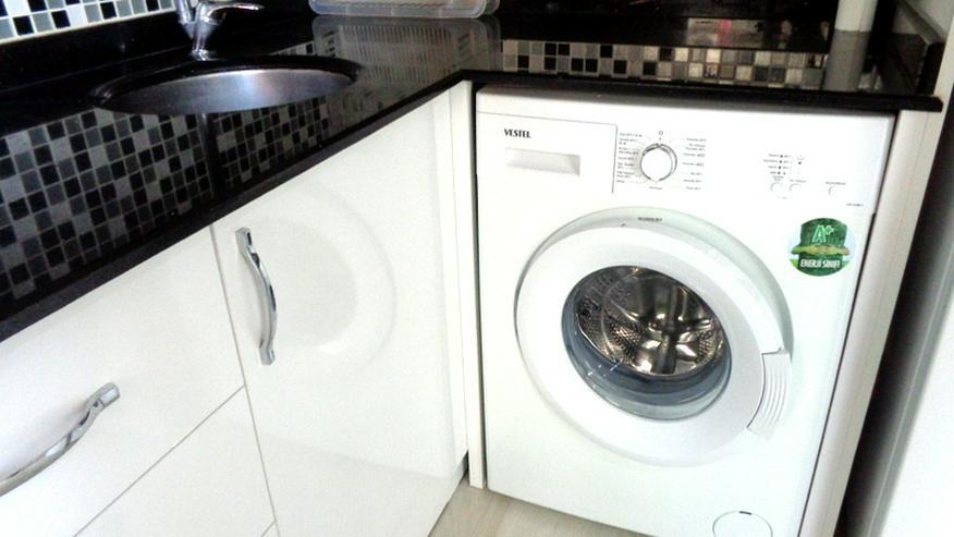 Bild 4: Hier wartet eine günstige, renovierte und teilmöblierte 3 Zi. Wohnung auf Sie.341