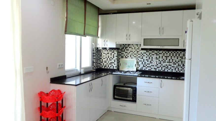 Bild 3: Hier wartet eine günstige, renovierte und teilmöblierte 3 Zi. Wohnung auf Sie.341