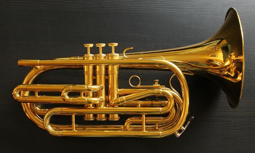 Kanstul Profiklasse Basstrompete / Flugabone in B inkl. Koffer