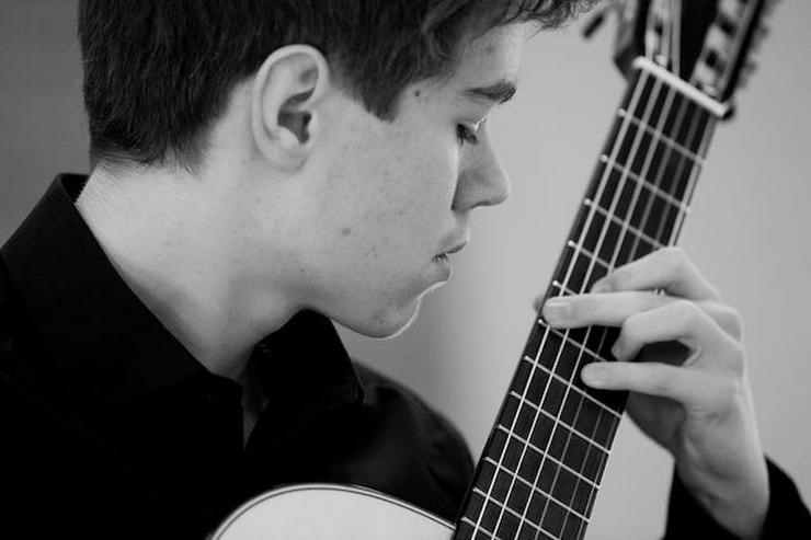 Gitarrenunterricht (klassisch) - auch bei dir zu Hause