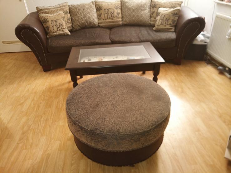 Couch, Tisch und Rundhocker nur 199 Euro - Sofas & Sitzmöbel - Bild 1
