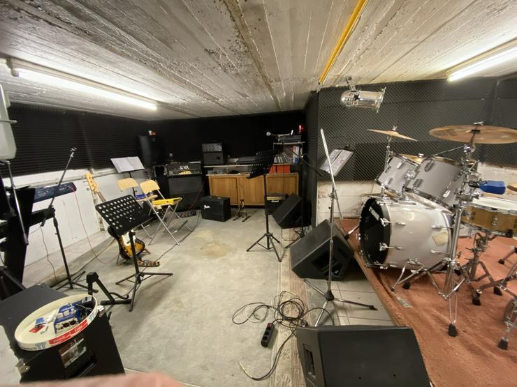 Bild 16: Proberaum mit Wohnung in Holzwickede / Bluesband sucht Drummer