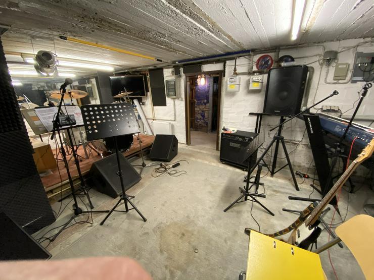 Bild 13: Proberaum mit Wohnung in Holzwickede / Bluesband sucht Drummer