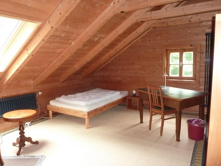 Möbliertes Zimmer in biol. Holzhaus ab 1. Juni zu vermieten