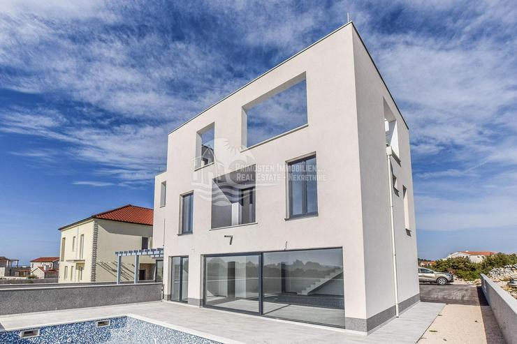 Moderne Doppelhaushälfte mit bezauberten Meerblick