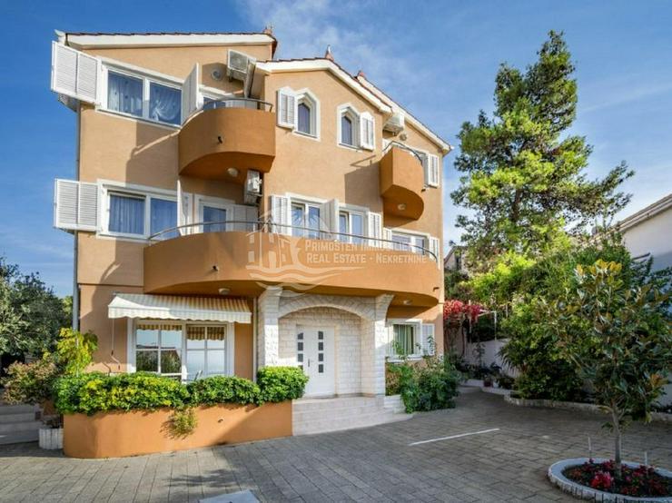 Freistehendes Mehrfamilienhaus mit vier Wohneinheiten in gefragter Lage - Haus kaufen - Bild 1
