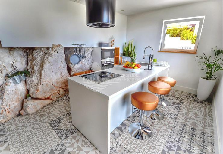 Bild 2: Luxuriöse Villa mit Meerblick und Kinosaal in Primosten
