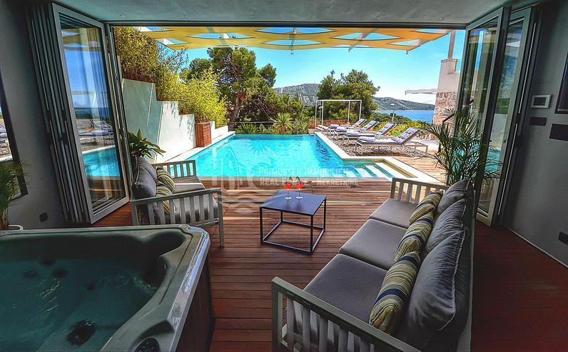 Luxuriöse Villa mit Meerblick und Kinosaal in Primosten