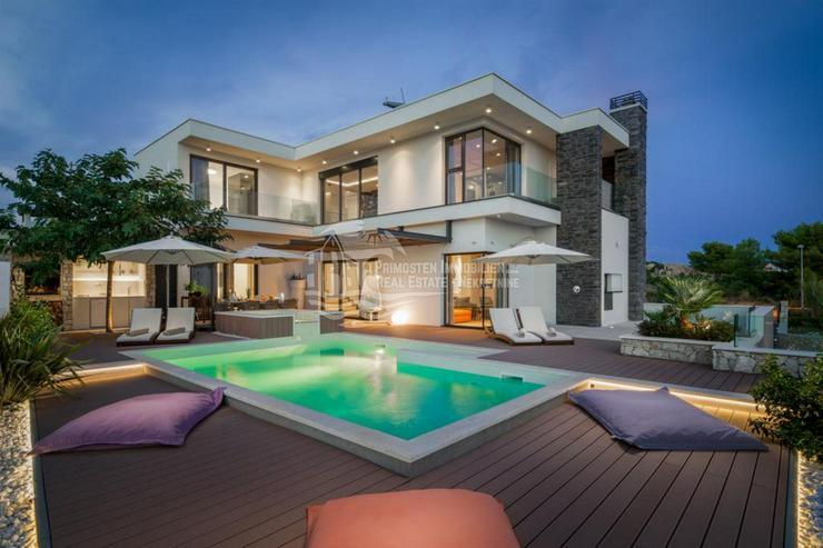 Moderne 5 Sterne Villa mit traumhaft schönen Panoramablick in Primosten