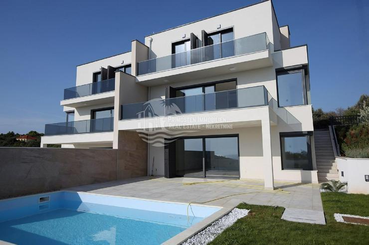 Luxuriöse Neubau Doppelhaushälfte mit vier Schlafzimmern in Toplage